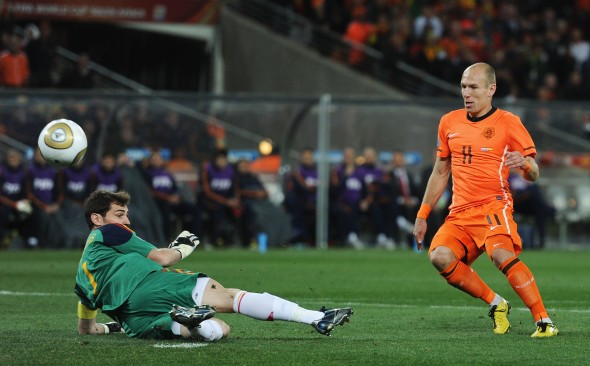 Arjen Robben & Iker Casillas